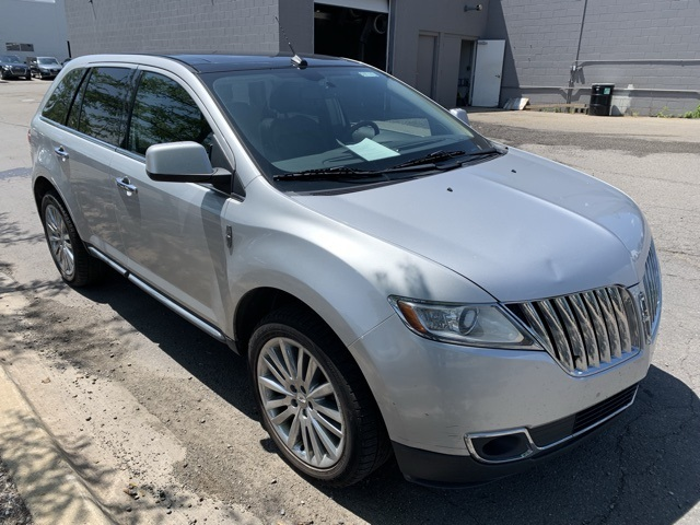 Pre-Owned 2011 Lincoln MKX Base